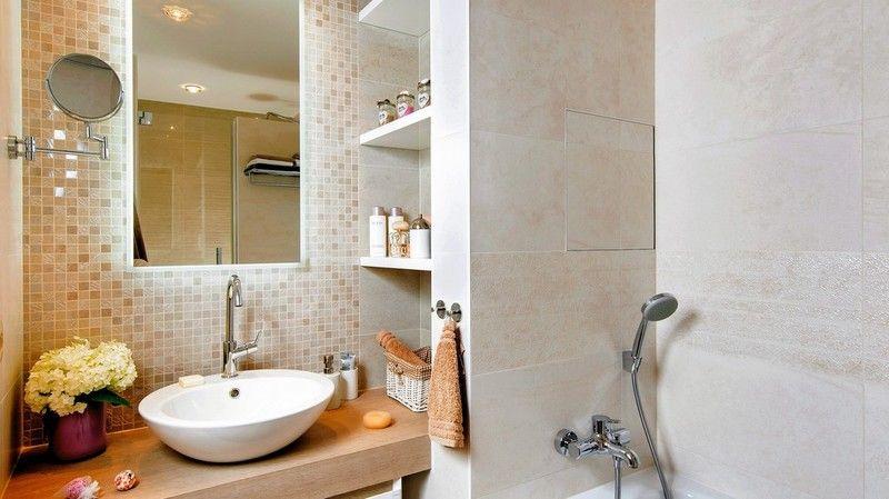 Prioritou majiteľov bola útulná kúpeľňa s dostatkom úložného priestoru a komfortu, najmä v sprchovacom kúte.