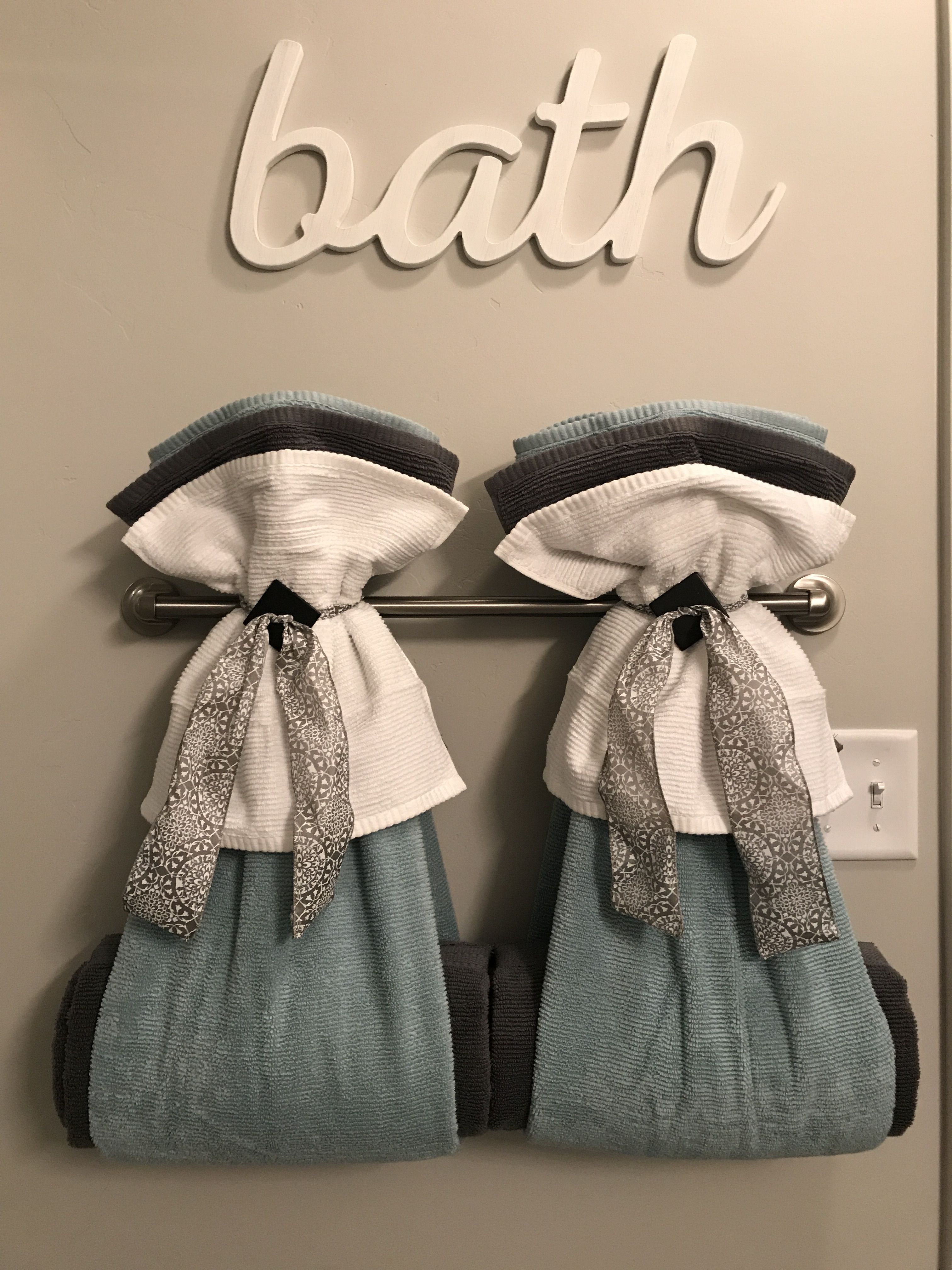 Decorating With Bathroom Towels With Images Towel Rack