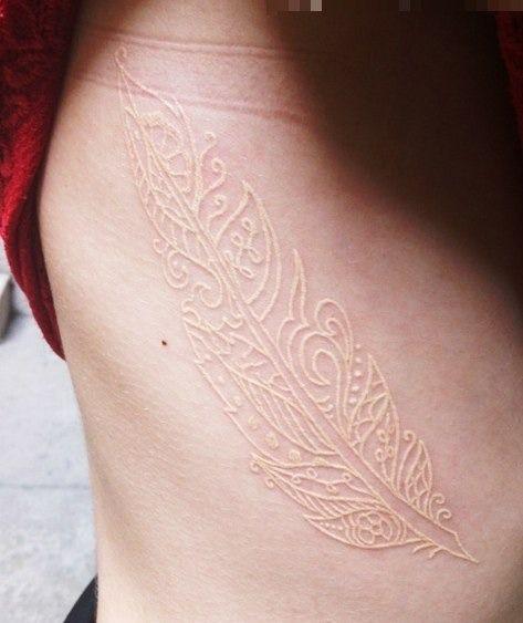Biały Tatuaż Najpopularniejszą Czerń Zaczęły Zastępować