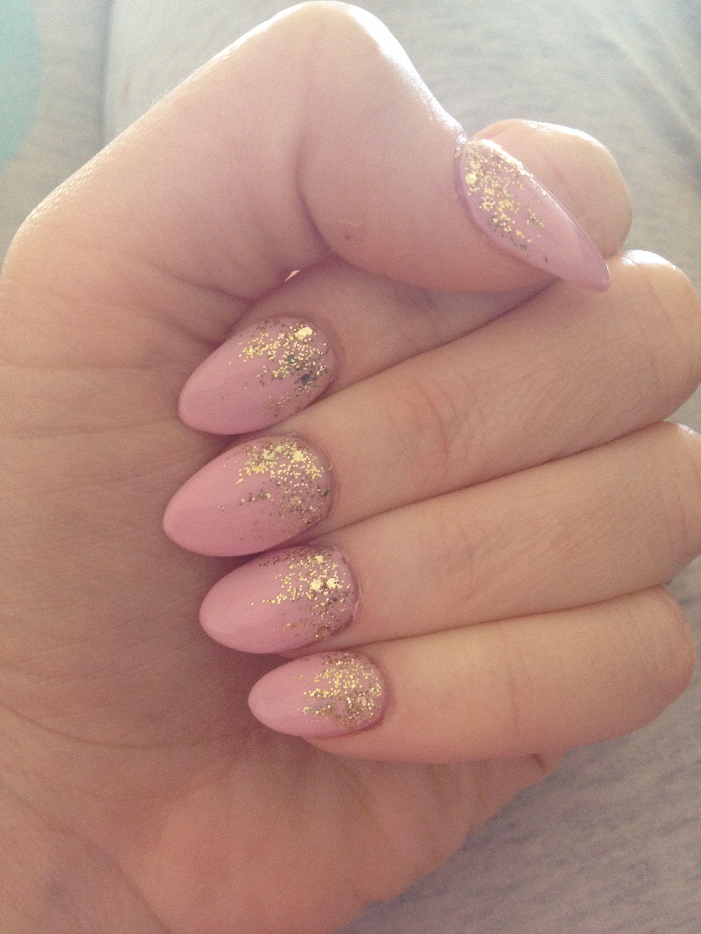 Petal pink and gold spring nails #almondshape #spring