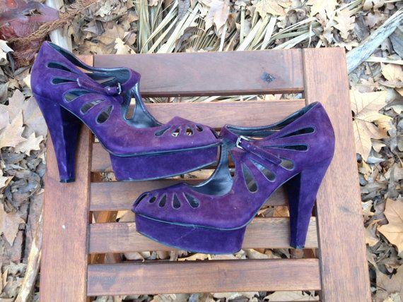 35% SALE 8.5 PURPLE PLATFORMS heels 40s style cutout by xmilkglass