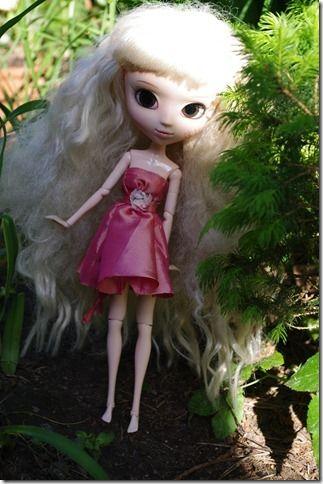 """Ainon """"Mollaa"""" vaatetettiin kesällä."""