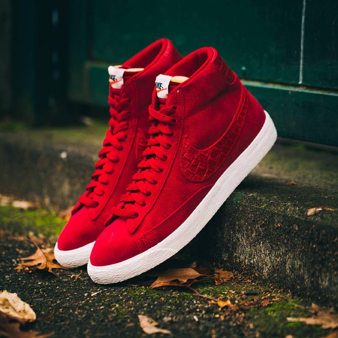 more photos eb51b 85554 Nike Blazer Mid PRM Vintage Red