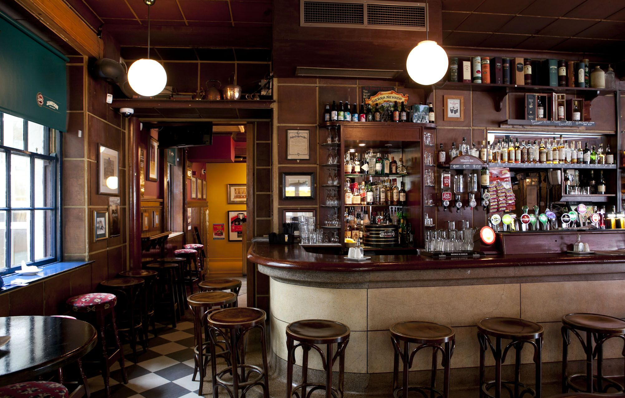 Kennedy's Bar & Restaurant in Dublin Notable Patrons: Samuel ...