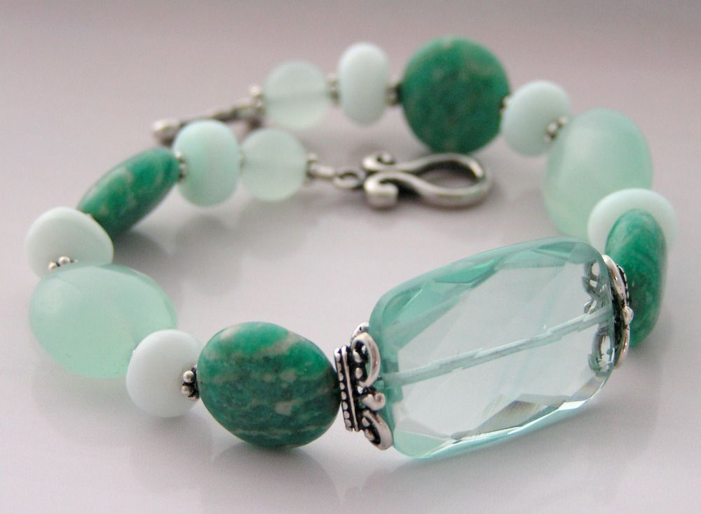 Such a refreshing aloe mint color. Another favorite.