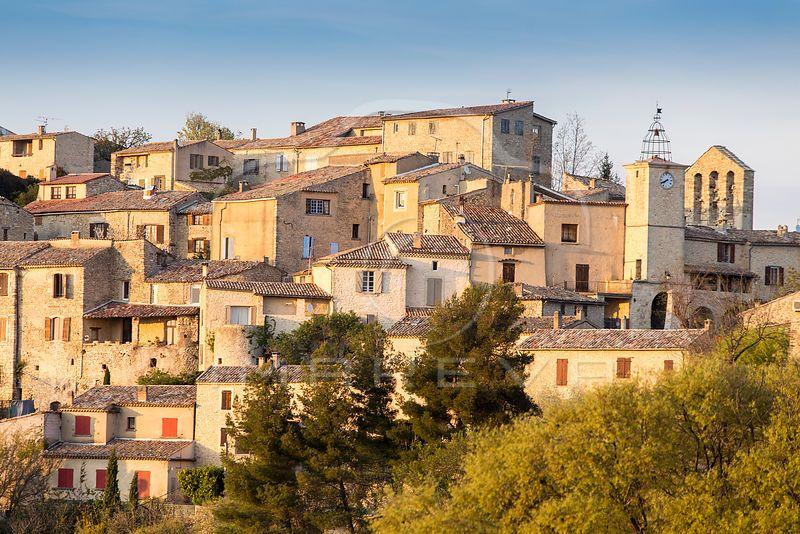 Imareva France Alpes De Haute Provence 04 Parc Regional Du Luberon Lurs Village Perche Au Dessus De La Haute Provence Provence Alpes De Haute Provence