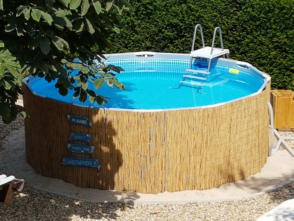 frame pool mit bambusmatten verkleiden geht einfach und sieht viel sch ner aus above ground. Black Bedroom Furniture Sets. Home Design Ideas