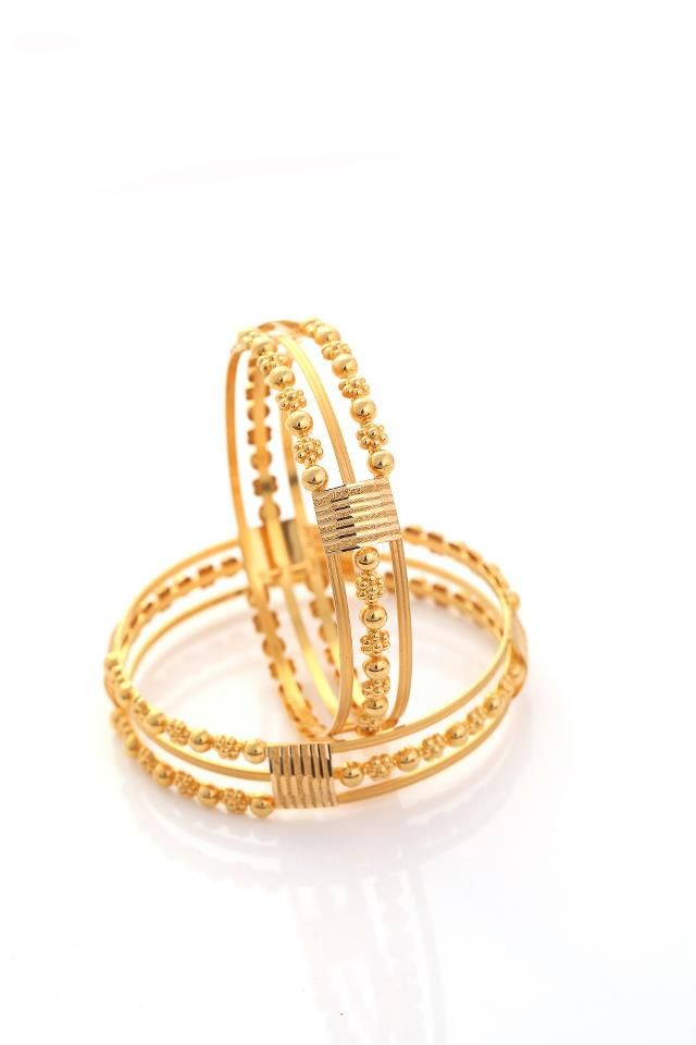 Indian Jewellery and Clothing: Beautiful diamond and gold bangles ...