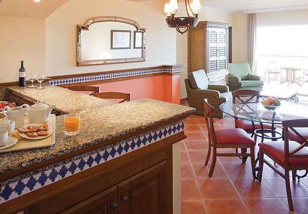 Decoracion de sala comedor y cocina en un solo ambiente for Decoracion de interiores medellin