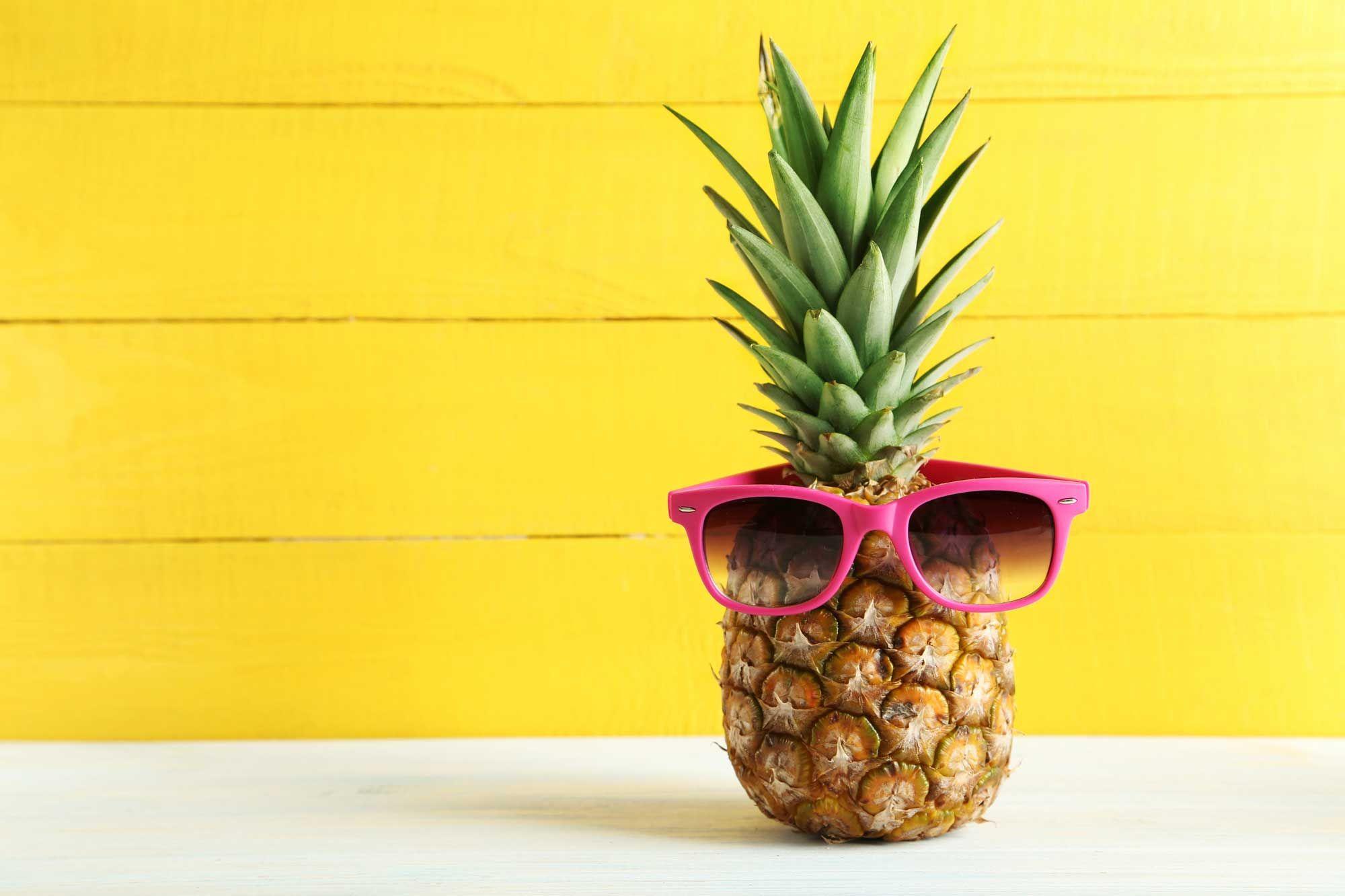 Cool Pineapple Sunglasses Wallpaper Desktop | Wallpaper | Pineapple, Ripe pineapple, Pineapple pizza