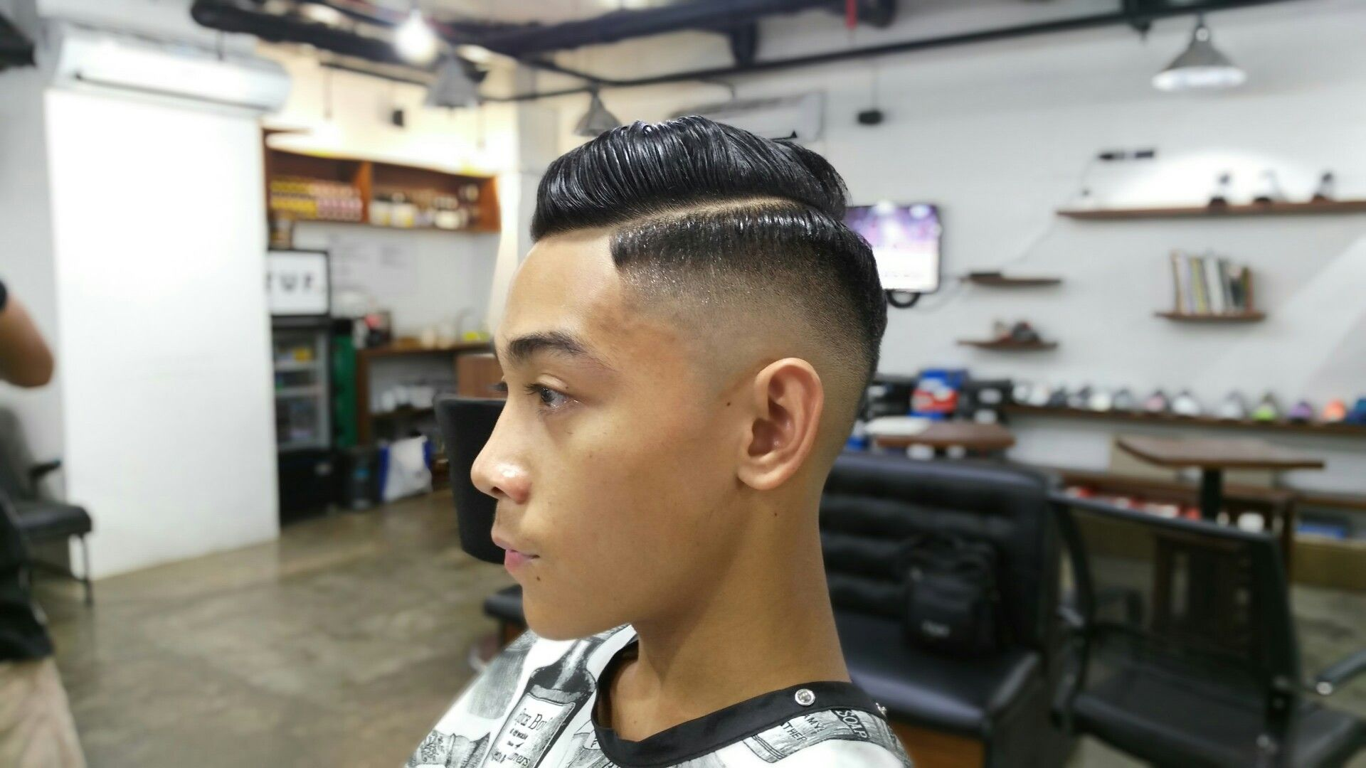 High n Tight! Crisp and Clean ⚡  #barbergrind #barberhustle #barberforlife #barbershopconnect #barber #barbers #barbering #barberlife #pomp #pompadour #menshairstyle #menshair #andis #tillidiebarbers #pma #pmaallday #cebu #032 #philippines #barberlove #gypsybarber #keepittraditional #sidepart #internationalbarbers #worldbarbershops #showcasebarbers #BARBERHUB #BATW #NewWorldBarbers #idgt