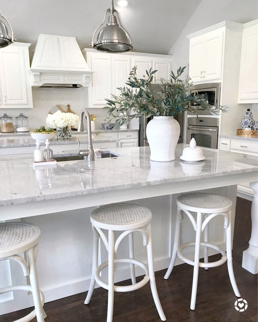 White Kitchen Simply White Paint Benjamin Moore Carrara Marble