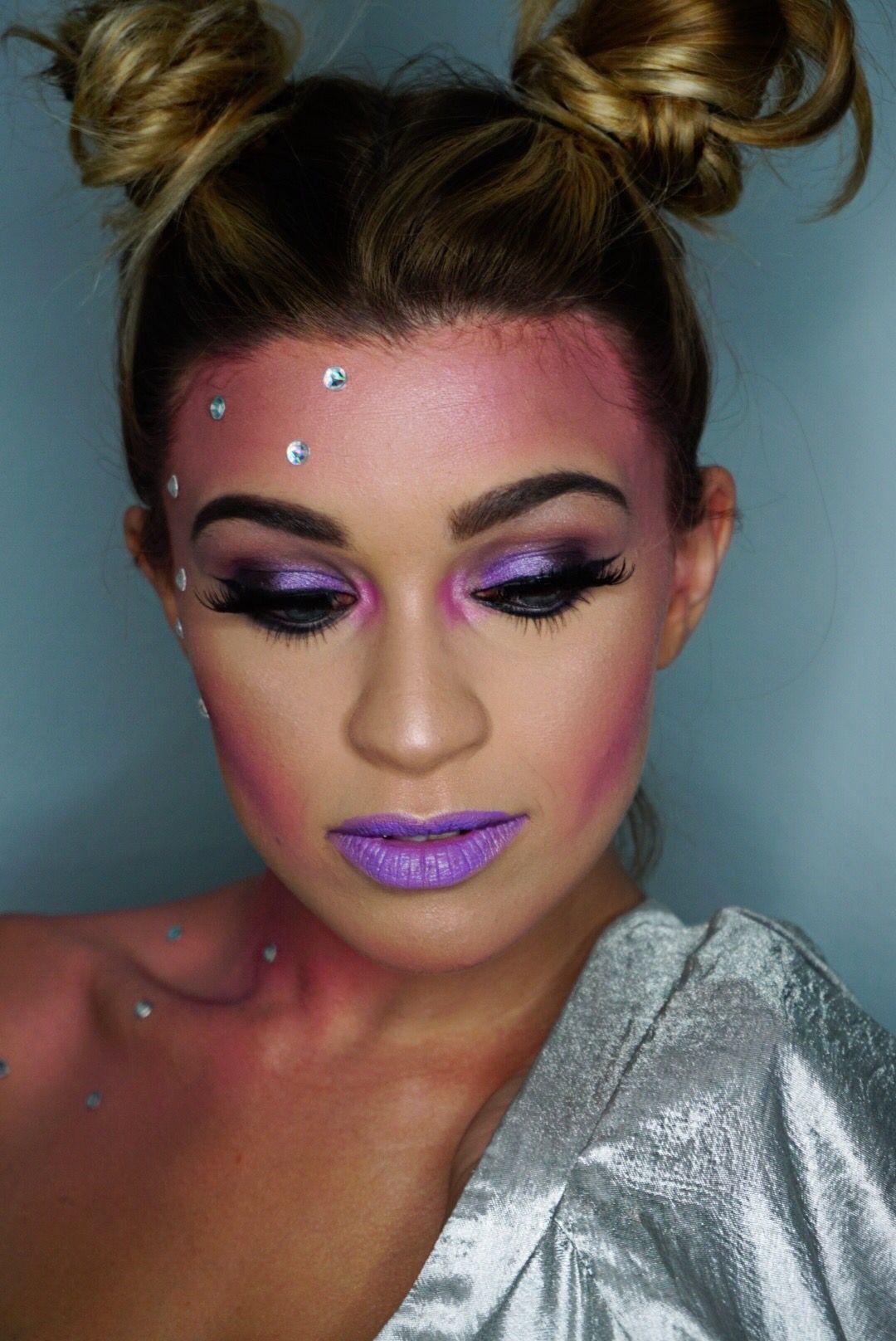 Alien makeup halloween Alien makeup, Alien halloween