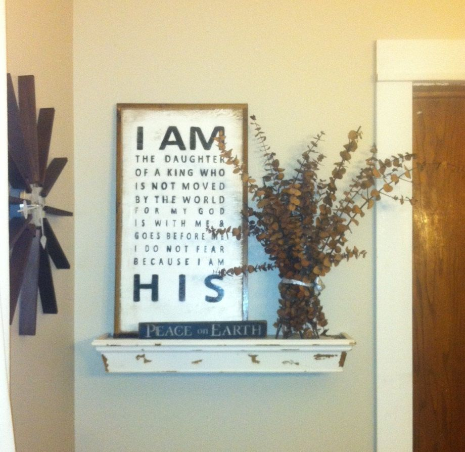 Christian Home Decorations: Framed Wood Sign I Am The Daughter Of A King Distressed