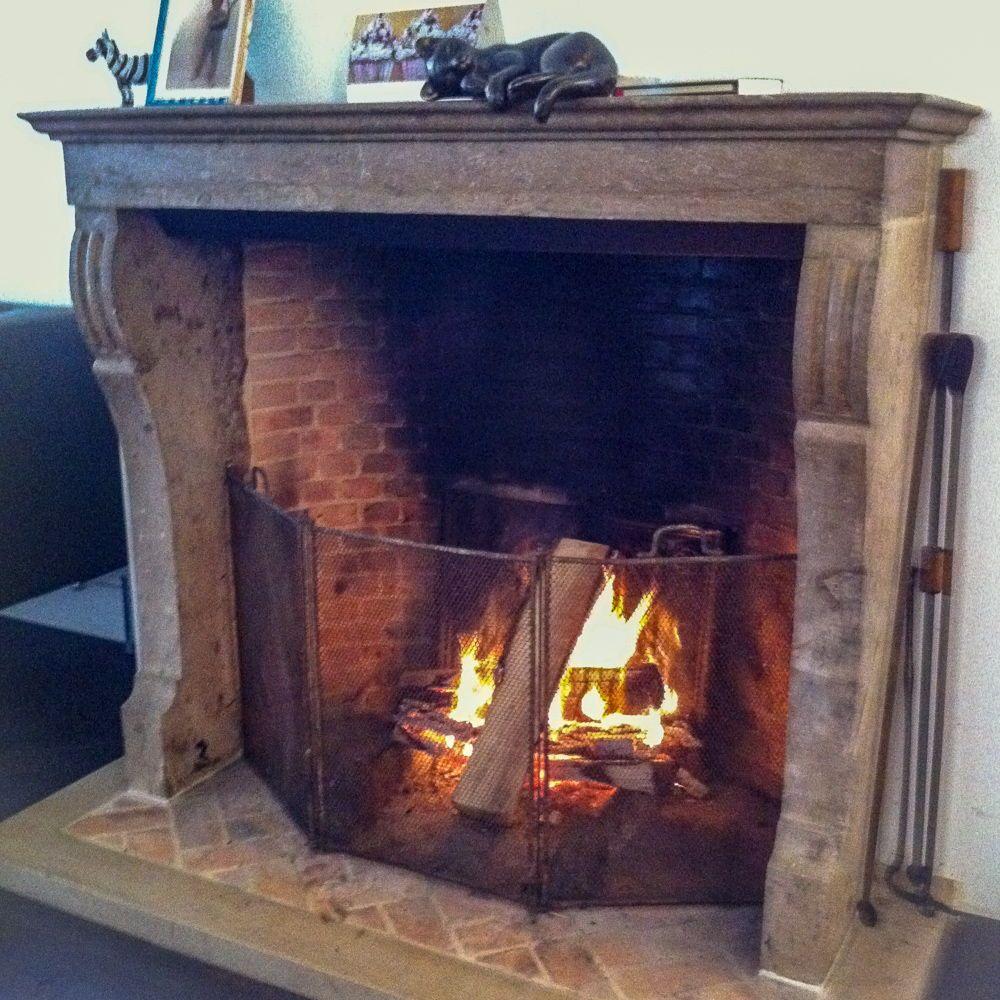 For Sale At Https Www Firebacks Net Fireplace Screen Fireplace Guard And Fender Fireplacescreen Fren Plaques De Cheminee Accessoires De Cheminee Cheminee