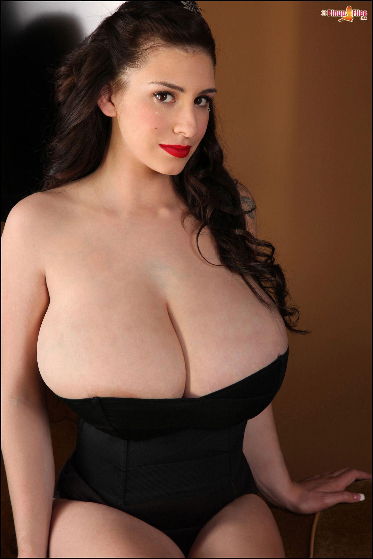 Big nude boobs suck