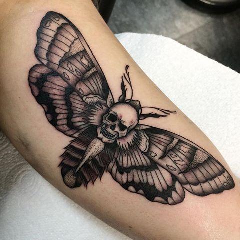 Pin De Pa Ko Em Tattoo Motive Tatuagem No Pescoco Tatuagens Retro Tatuagem