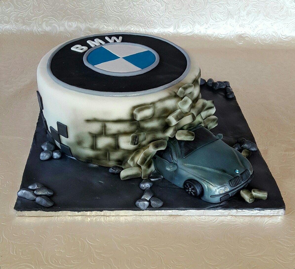 продаже торт в виде мотора автомобиля фото несколько
