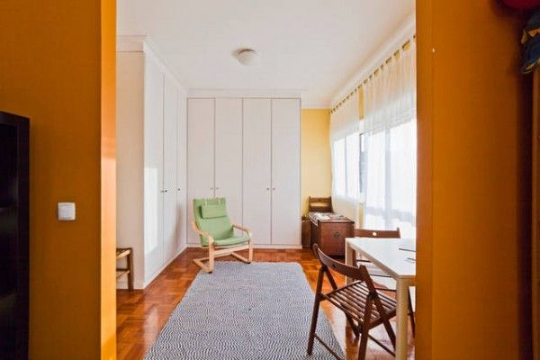 We love the bright orange and charisma this home has to offer! Visit Porto, Portugal  #hovelOn
