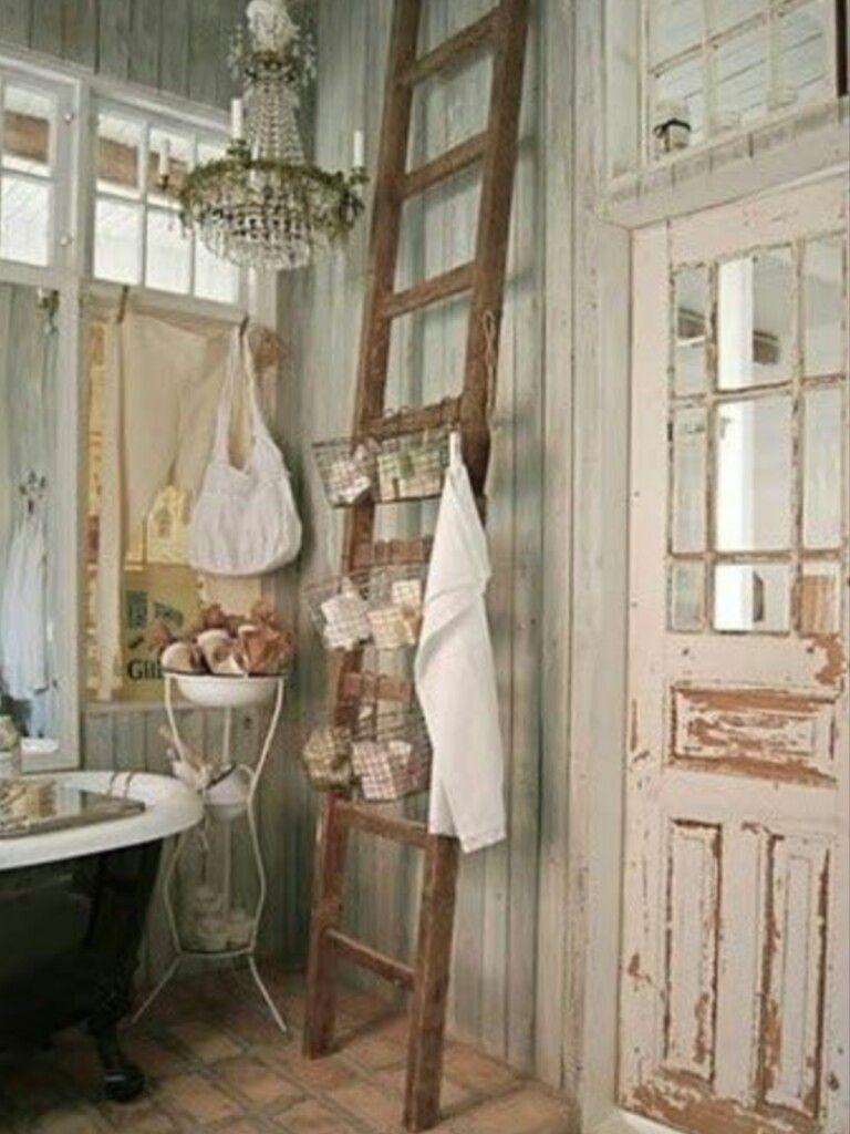 Badezimmer eitelkeiten mit schränken auf der seite pin von elbenkriegerin auf shabby chic living  pinterest