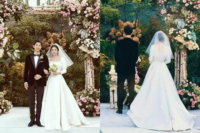 去る10月31日 ソン ジュンギとソン ヘ ギョが無事 結婚式を挙げました 報道陣の取材を規制しての式だった 結婚 ブーケ ウエディングドレス