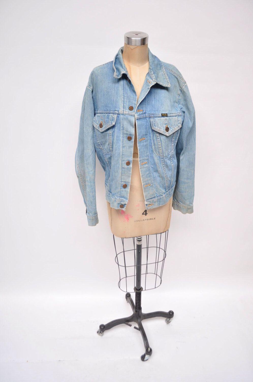vintage wrangler denim jean jacket light denim 1970s oversized boyfriend fit by goodbyeheartwoman on Etsy https://www.etsy.com/listing/215281713/vintage-wrangler-denim-jean-jacket-light