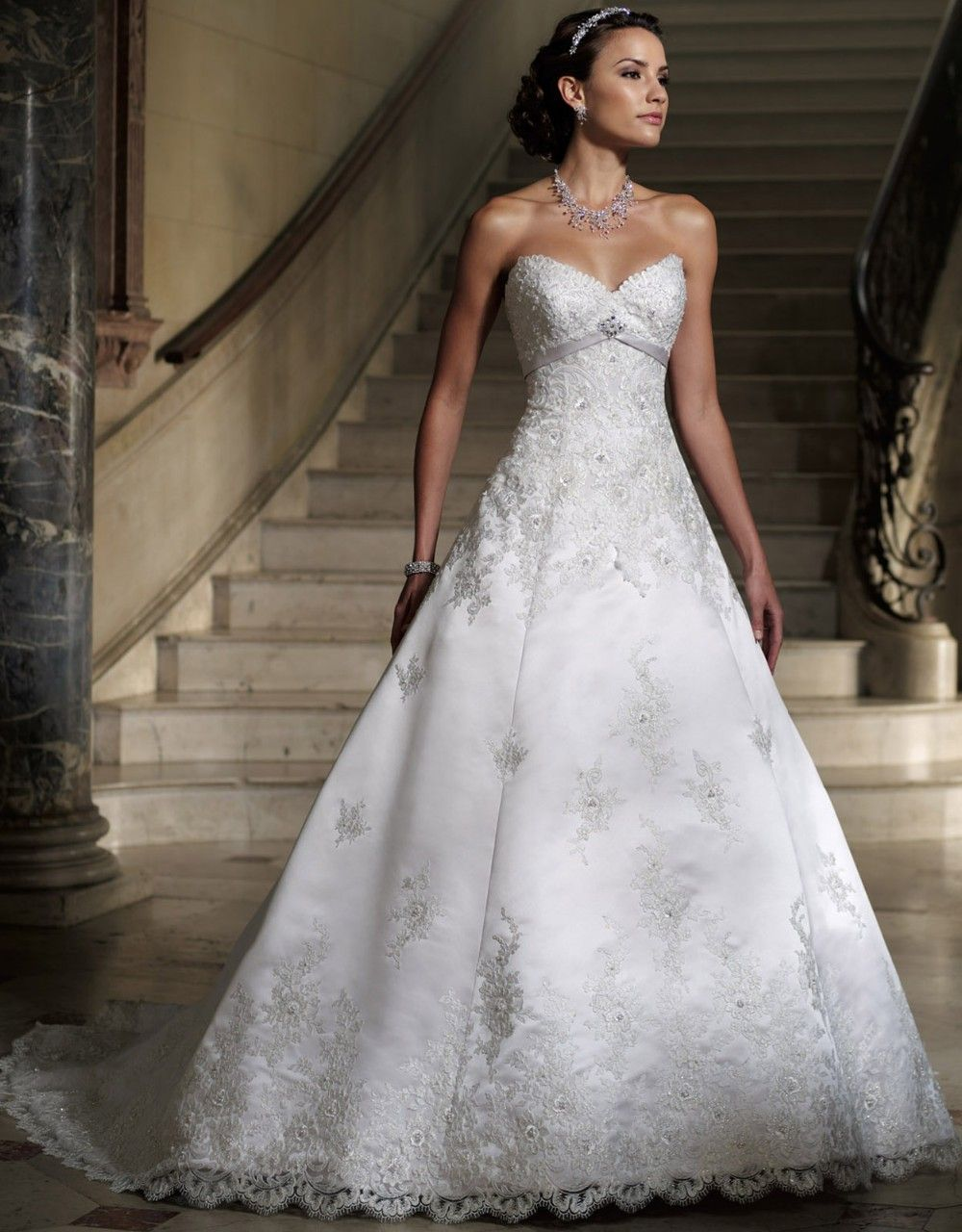 Click to buy ucuc vintage sweetheart lace backless satin wedding dress