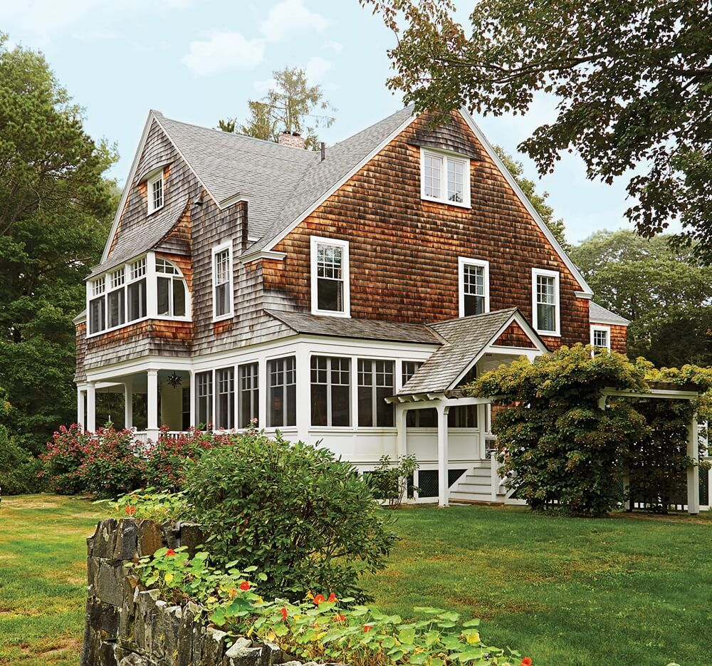 Old House Life On Instagram Wow Riverfront Stunner In Maine The Willey House Was Built In 1875 Interior Is Bea Victorian Homes House Design Historic Homes