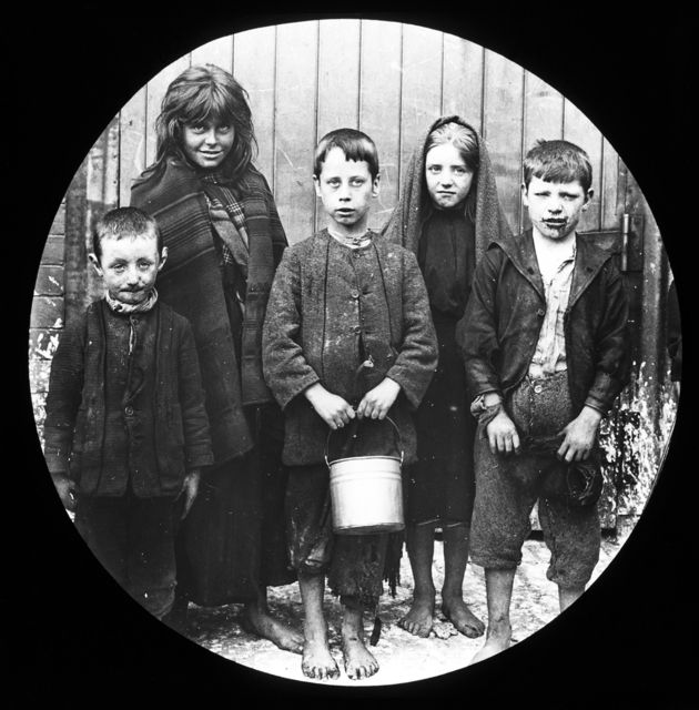 Child poverty in Belfast, Northern Ireland early 1900s ...