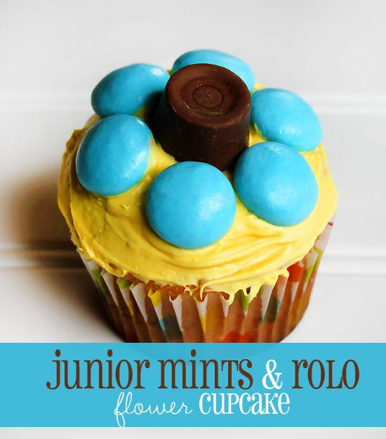 Spring Cupcake Designs u2013 6 easy spring and Easter cupcake designs  sc 1 st  Pinterest & Great junior mints u0026 Rolo flower cupcake -- perfect cupcake ...