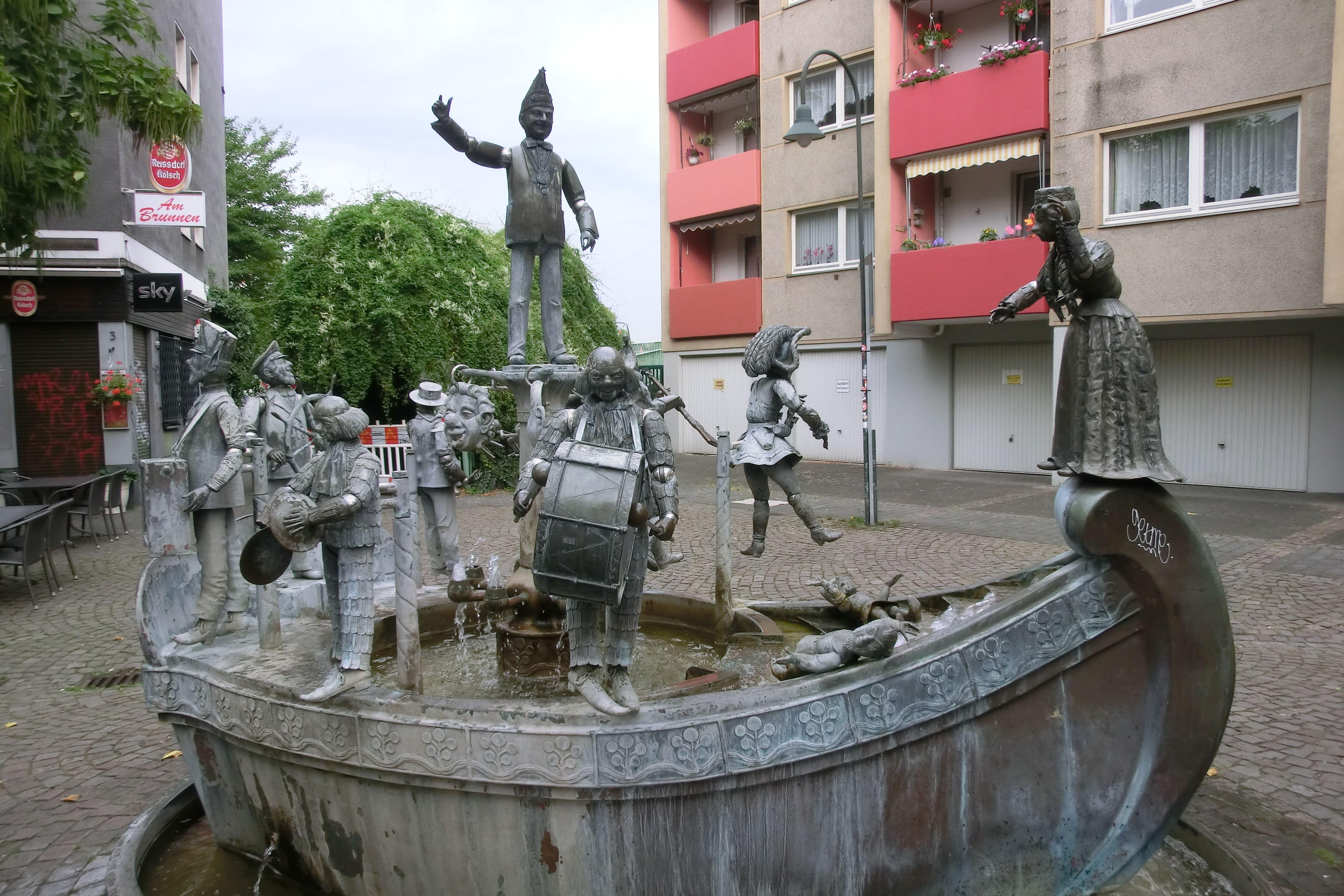 Das Narrenschiff Der Brunnen Auf Dem Karl Berbuer Platz