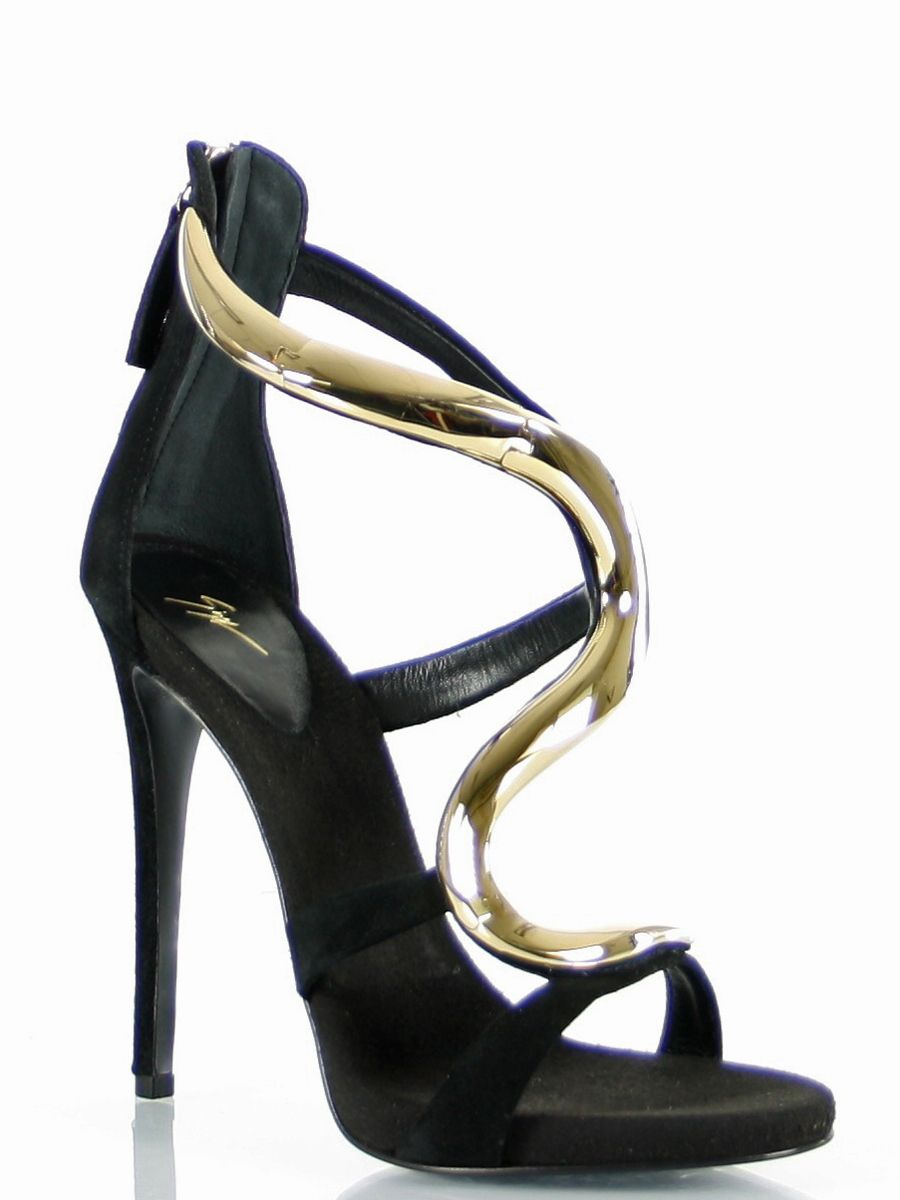 From a former DJ to a high class shoe designer. With heels like this , we can just say that we are glad that Zanotti hasn't decided to be a DJ