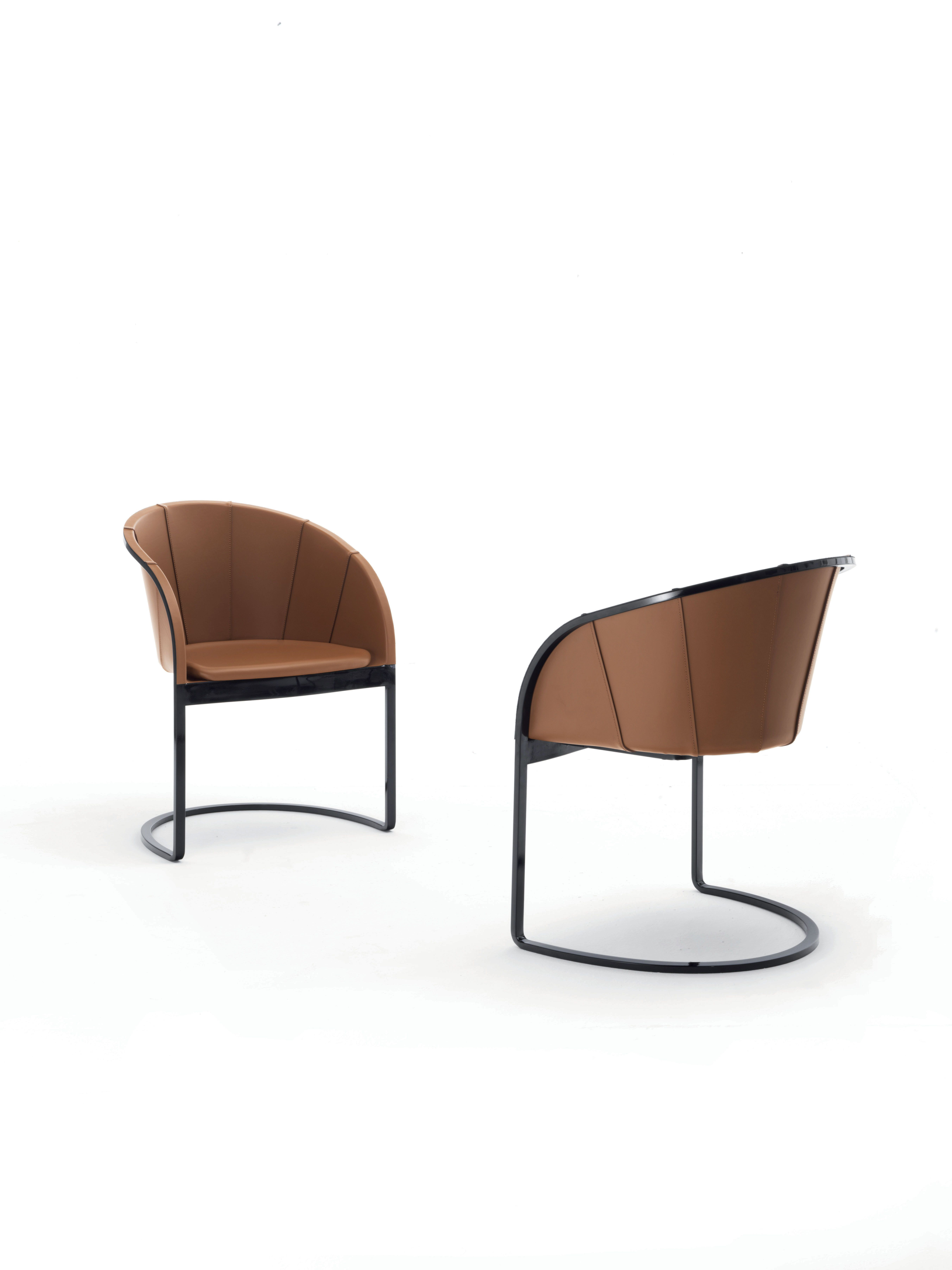Aurelia Chair With A Strong And Aesthetic Appeal That Goes Towards A Sophisticated Image Where Chrome Frame Contras Arredamento D Interni Arredamento Interni