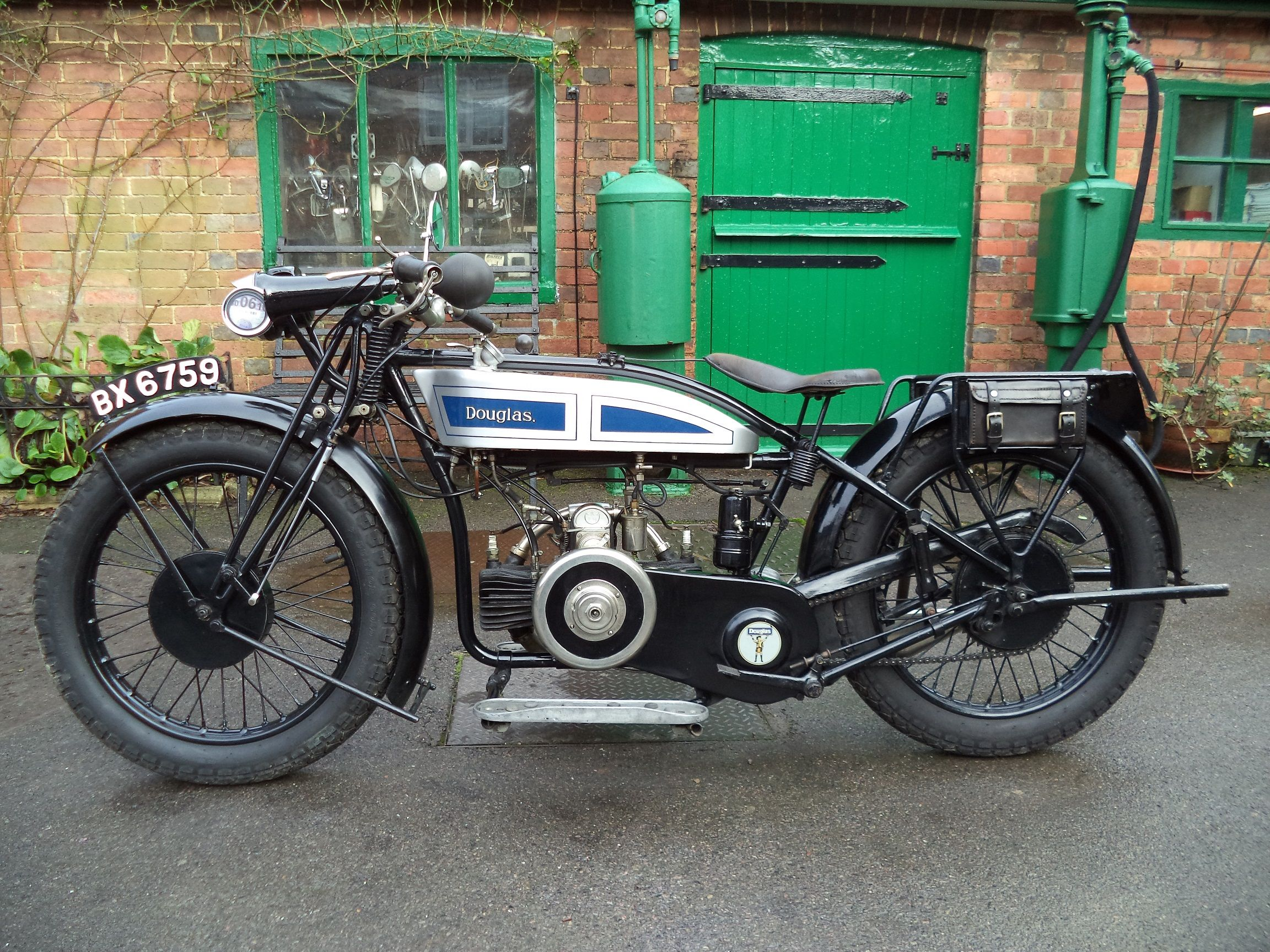 Verralls 1926 Douglas 350cc Ew Vintage Motorcycles Cool Bikes Vintage Motorcycle