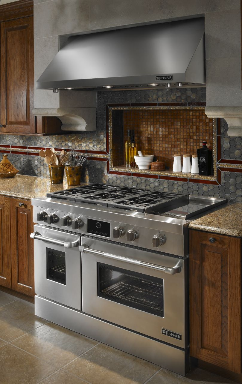 Jenn Air Kitchen With Stainless Steel 48 Gas Range Kitchen Design Luxury Kitchens Home Kitchens