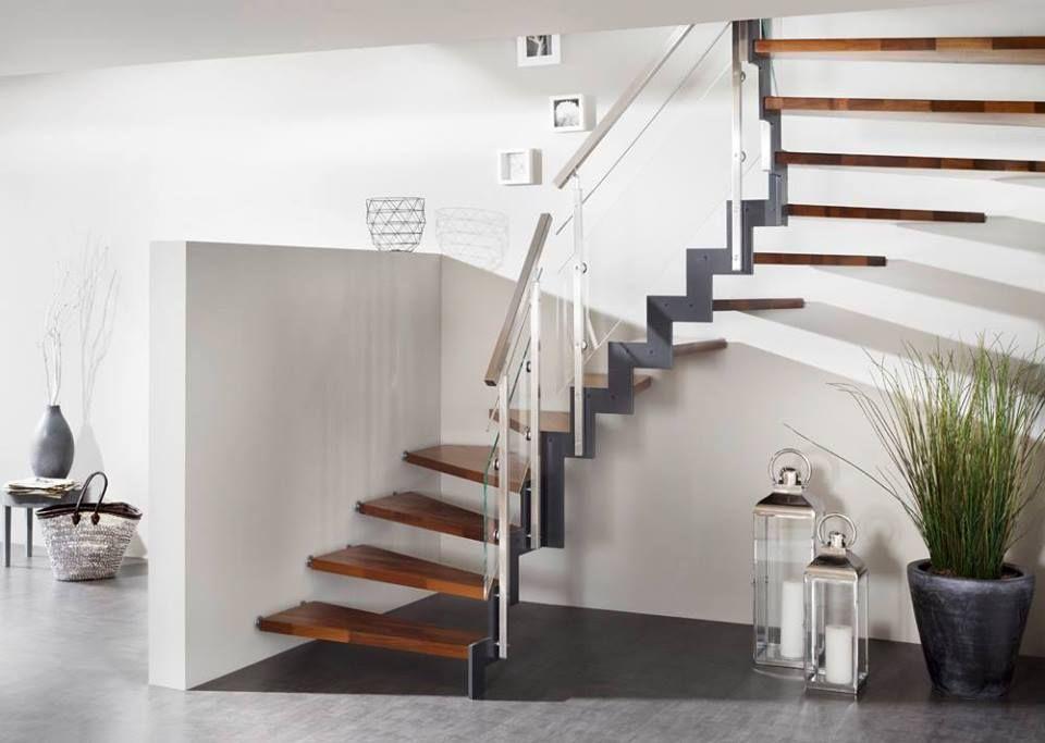 ferro treppe 1 2 gewendelt treppe holztreppe holz treppenmeister unnerstall wohnen. Black Bedroom Furniture Sets. Home Design Ideas