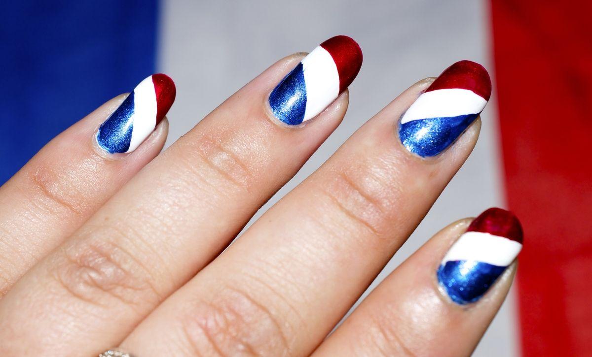 Nail art drapeau france
