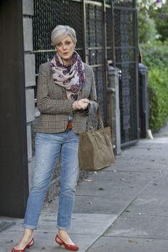 Tomboy Chic Style At A Certain Age Overfiftyblogger Fashion Over Sixty Women Pinterest