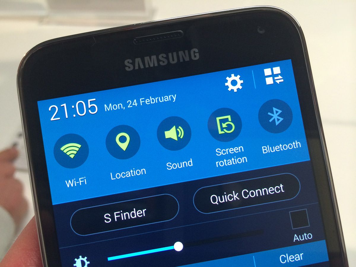 Galaxy s6 will comes with less bloatware galaxy s6