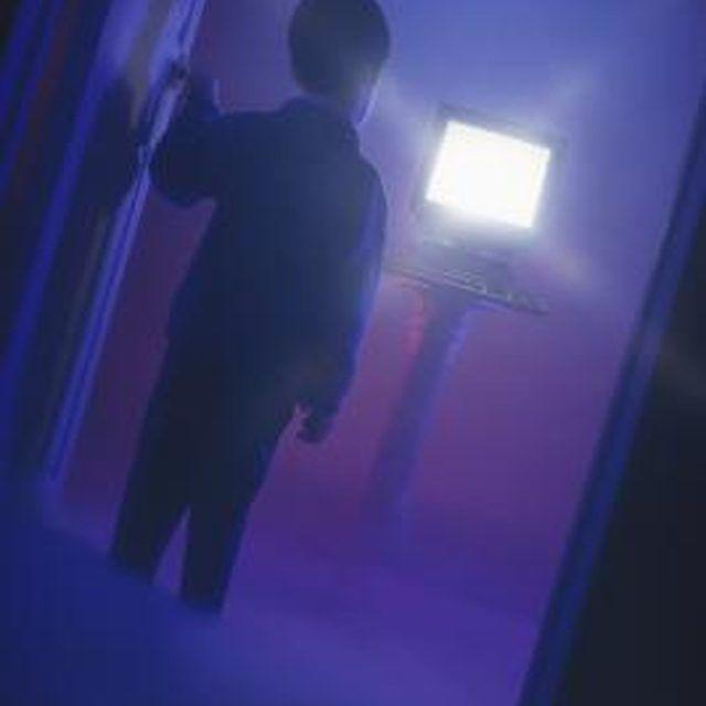 Arrange creepy displays in your home Haunted Hotel Pinterest - halloween haunted house ideas