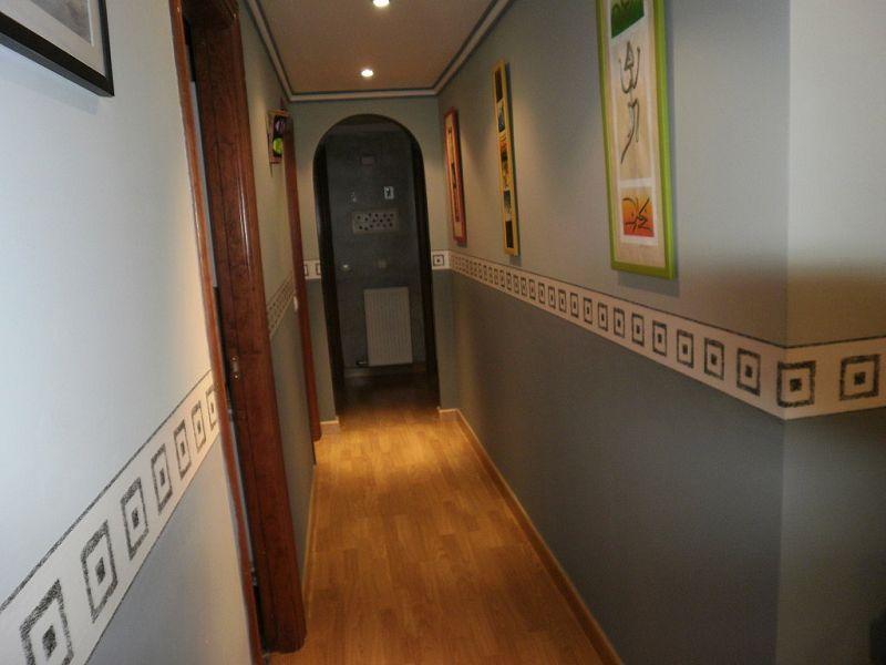 Color pintura pasillo exteriores buscar con google - Como pintar un pasillo ...