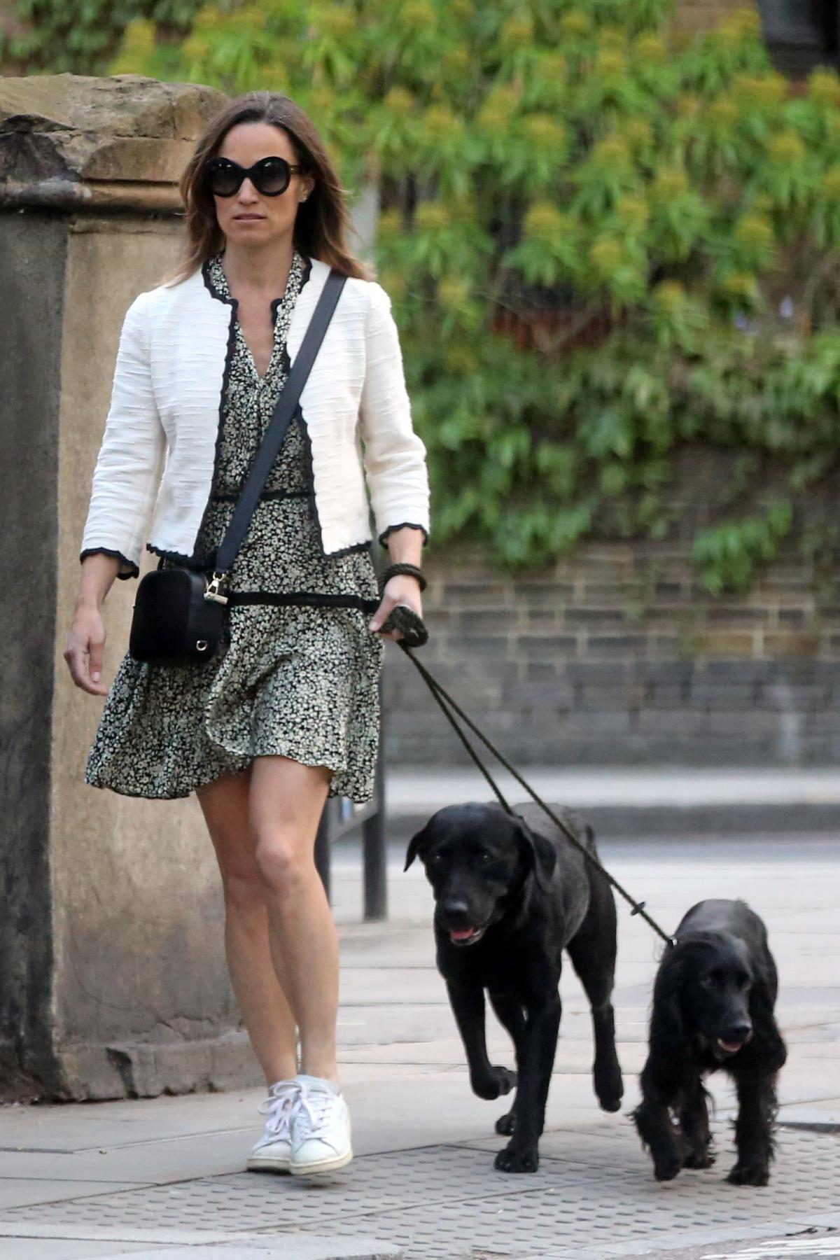 Pippa Middleton wearing Pop   Suki Camera Bag in Black 2d9754c0d6fe