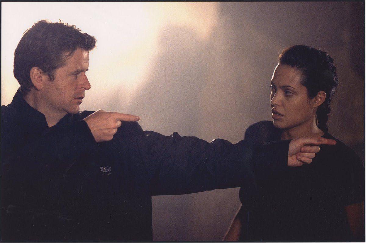 Tomb Raider Behind The Scenes Dir Simon West With Angelina Jolie On Set Tomb Raider Tomb Raider 2001 Tomb Raider Movie