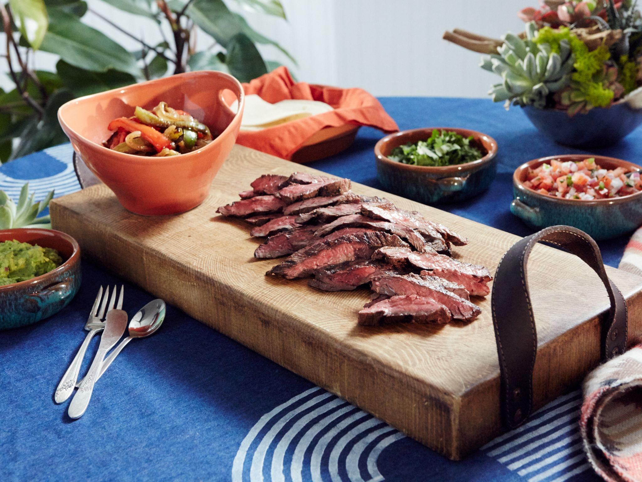 Steak fajitas with guacamole and fixings recipe patricia steak fajitas with guacamole and fixings forumfinder Image collections