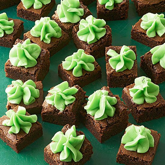 Celebrate the season with these Creme de Menthe Brownie Bites. For more red and green Christmas cookies: http://www.bhg.com/christmas/cookies/red-and-green-christmas-cookies/?socsrc=bhgpin111313browniebites&page=17
