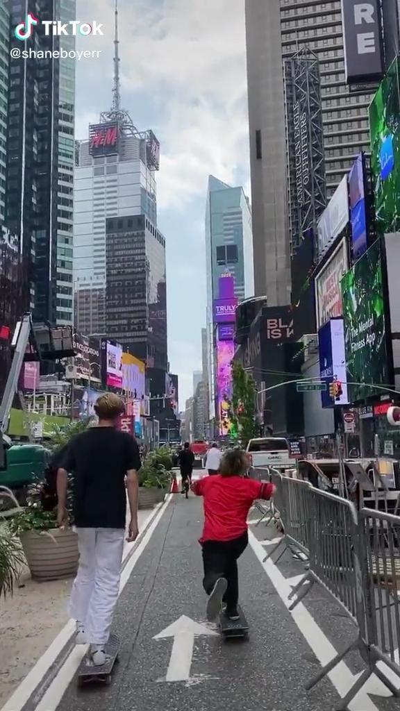 Nyc Tik Tok Video New York Travel Guide New York Graffiti New York