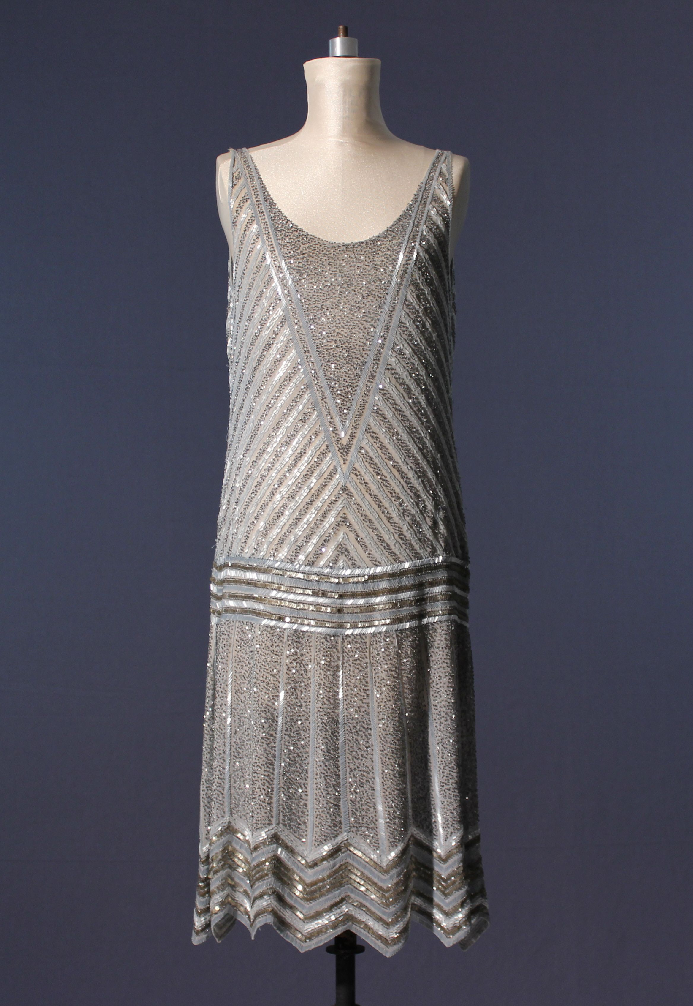 Beaded 1920s evening dress | Clothing -- 1920\'s | Pinterest | 1920s ...