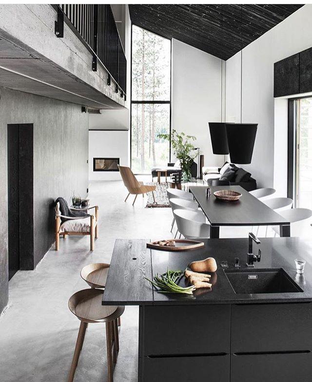 Chic black and white space ☑️ ..................................................... @grindberg_trevarefabrikk #passion4interior #interior123 @interior123 #interiorwarrior #ninterior #boligplussminstil #bobedre #rom123 #interior4all #interior4you #hltips #interiordesign #design #interior #interior4you1 #inspire_me_home_decor #inspirasjonsguidennorge #boligmagasinet #@interior4you1 @interior_magasinet # #design #interiordesign #whiteinterior #nordicinspiration #myinteriortips #inspiremeinterio