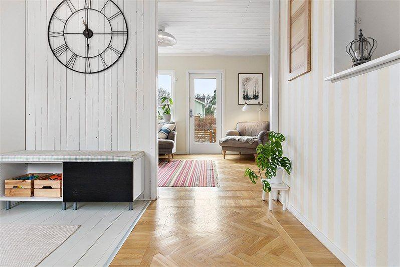 Hirdvagen 17 Norra Angby Stockholm Fastighetsformedlingen For Dig Som Ska Byta Bostad Ideer For Heminredning Hus Sovrum