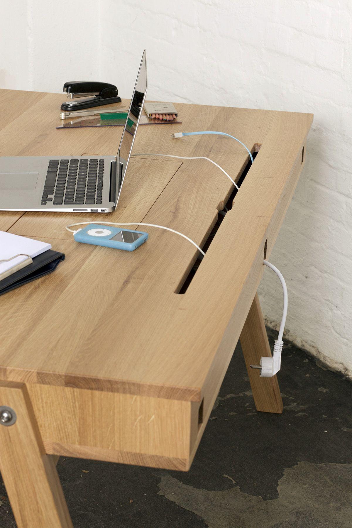 Schreibtisch; Massiv; Eiche; Nussbaum; Handgearbeitet; Design; Klappe;  Hamburg;